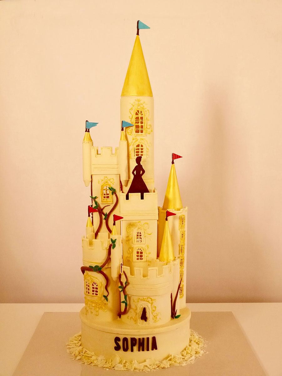 3ft tall white & gold fairytale castle - appeared on C4's Extreme Chocolate Makers TV show