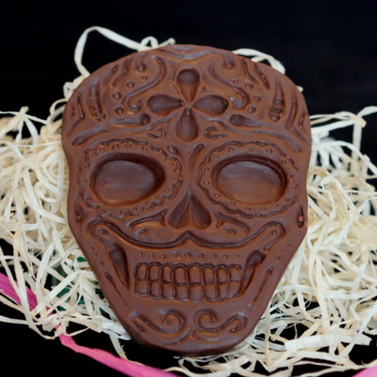 100g dark chocolate pretty decorative day of the dead skull about 10cm long