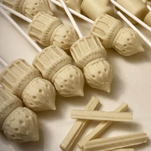 white hot chocolate pavilion lollipops